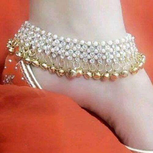 Shimmering Chunky Women Anklet & Toe Ring